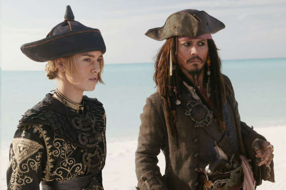 Elizabeth Swann (Keira Knightley) joins the group fighting to save the life of Jack Sparrow (Johnny Depp), in Pirates of the Caribbean: At World's End. Photo: Peter Mountain, Disney Enterprises