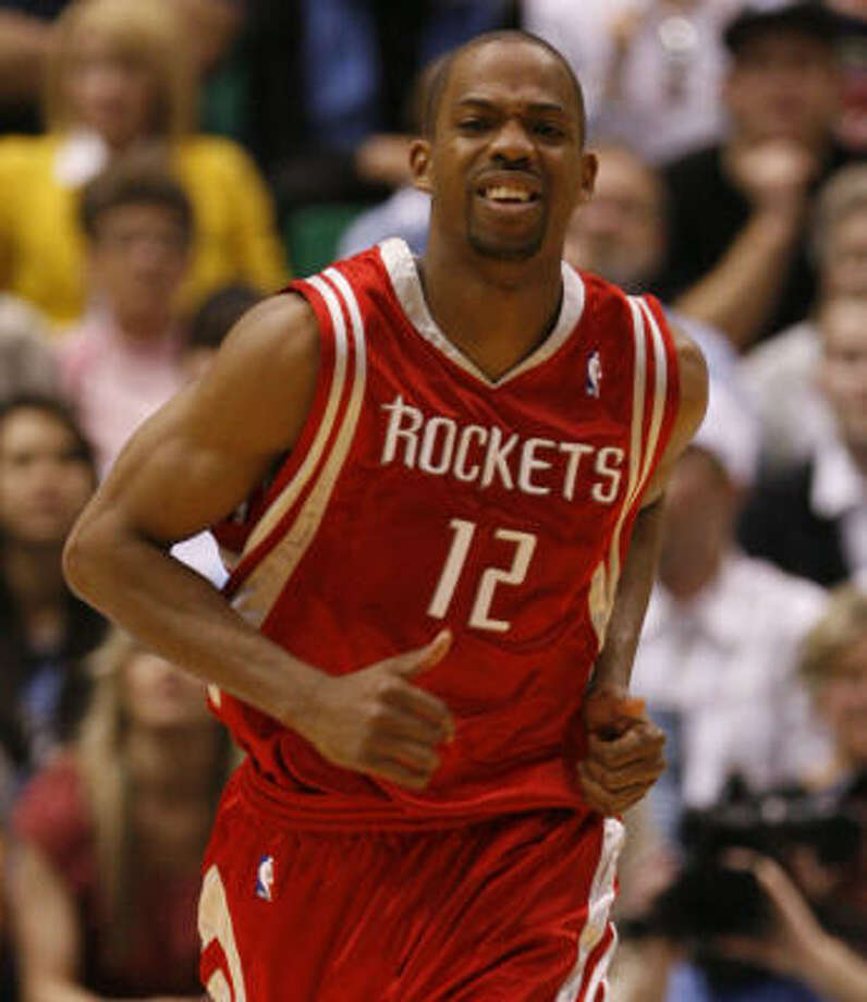 Rafer Alston left the game with an ankle injury. An X-ray showed no break. Photo: James Nielsen, Chronicle