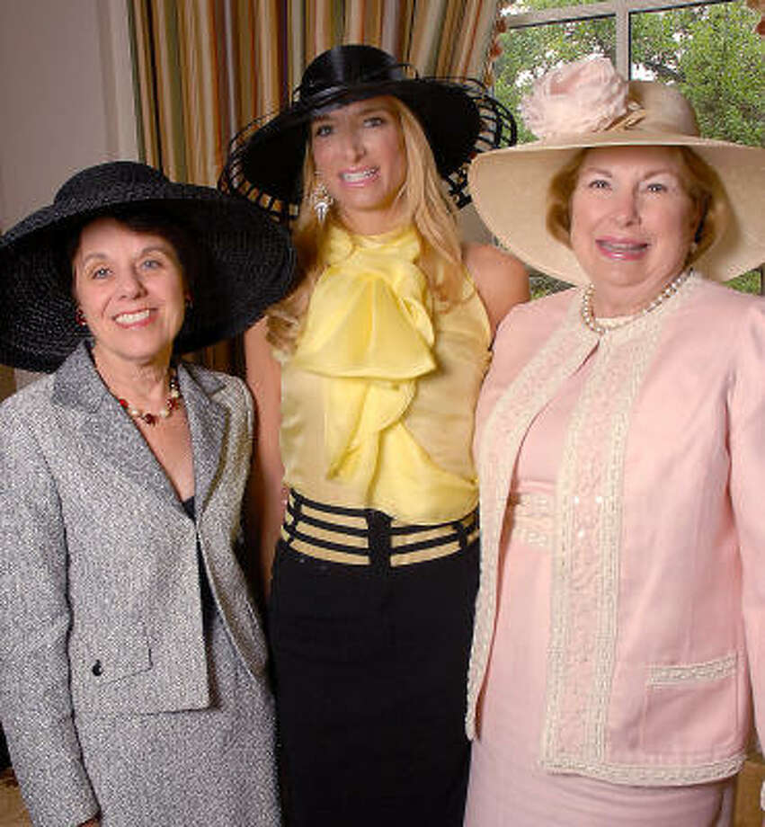 Ginni Mithoff, from left, Melissa Mithoff and her mother, Carolyn Mafrige Photo: Dave Rossman, For The Chronicle