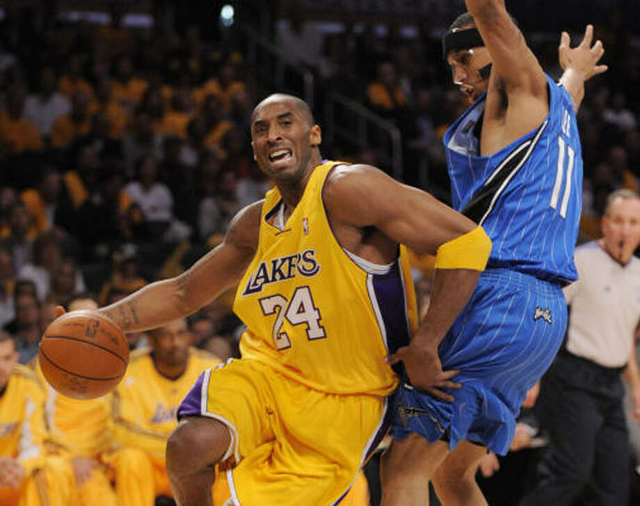 Los Angels Lakers guard Kobe Bryant scored 40 points in the Lakers' home win against the Magic. Photo: KEVIN SULLIVAN, MCT