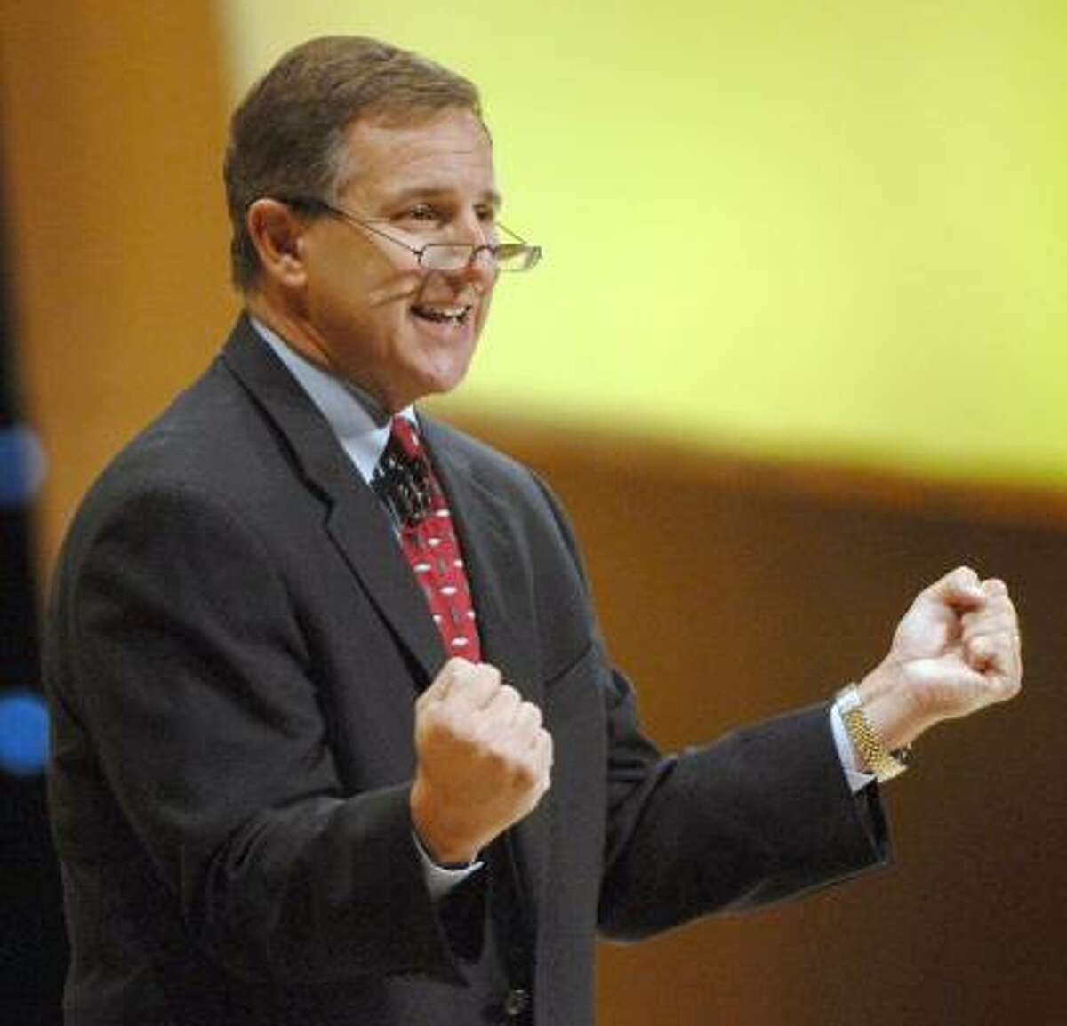 Hewlwtt-Packard CEO Mark Hurd gives the keynote address at the company's technology forum at the George R. Brown Convention Center on Monday. Only in passing did he mention the controversy over an investigation into leaks from its board.