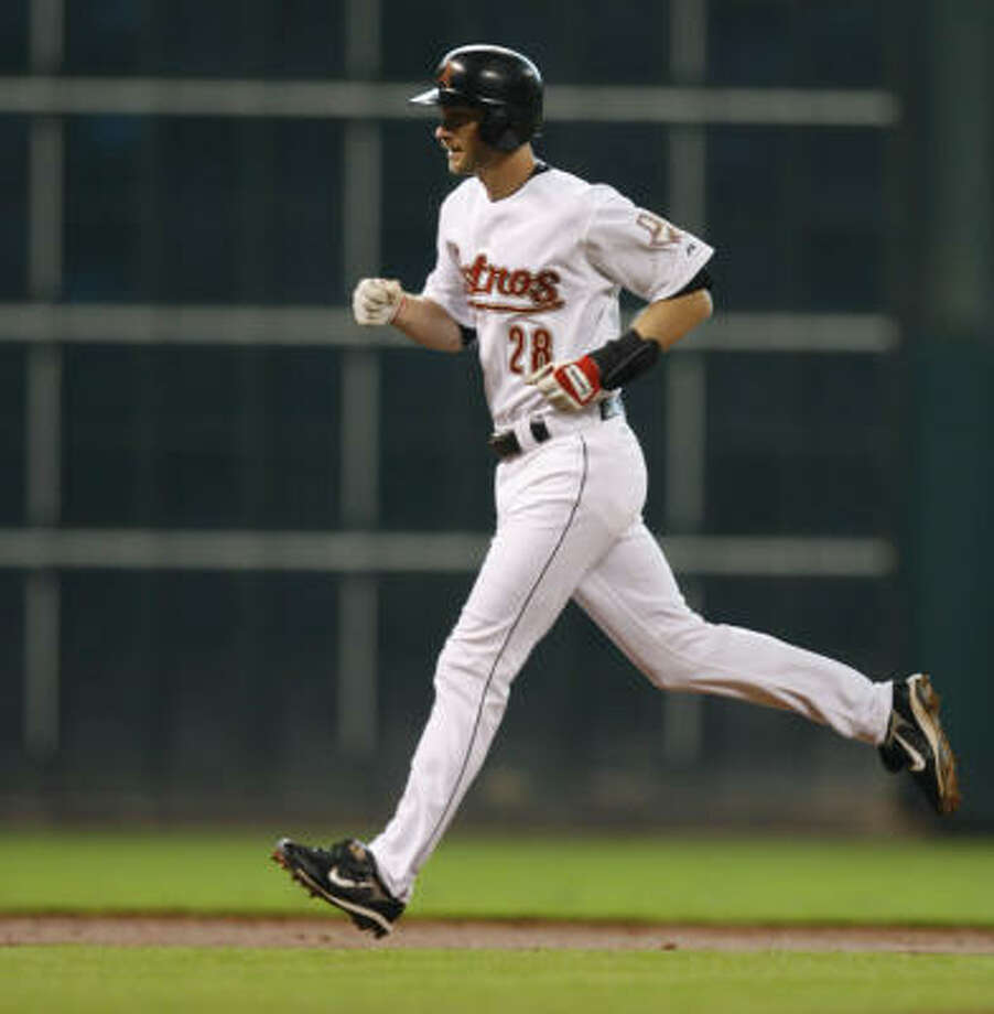 Adam Everett, who homered Saturday, might see the Astros overhauled after this season. Photo: Melissa Phillip, Chronicle