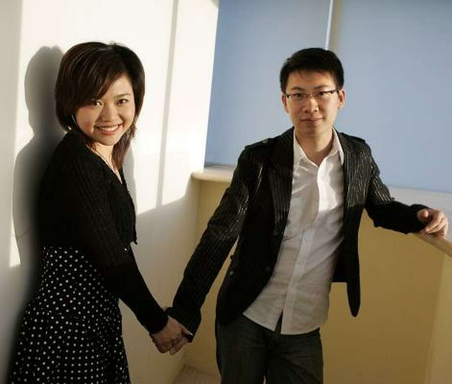 May Yao, left, used online matchmaking Web site Baihe.com to meet Donny Liang. The two are engaged. Photo: LIPO CHING, SAN JOSE MERCURY NEWS