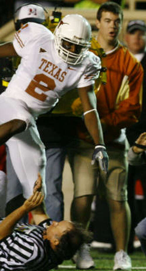 University of Texas linebacker Sergio Kindle was arrested on a charge of driving under the influence early Saturday morning. Photo: Nick De La Torre, HOUSTON CHRONICLE