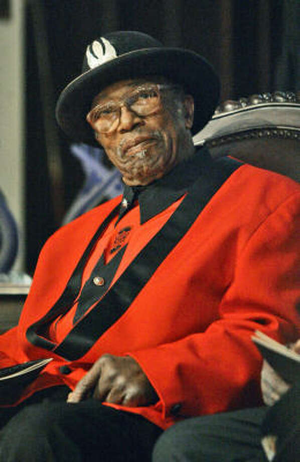 Bo Diddley, 79, died of heart failure on Monday. Photo: Rogelio V. Solis, Associated Press