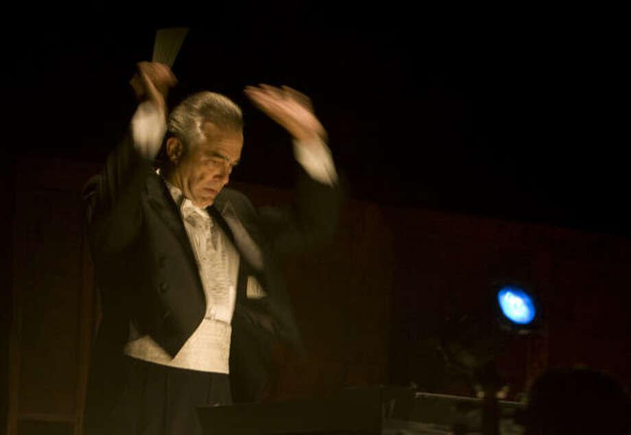 Ermanno Florio conducts a performance of the Houston Ballet's production of La Sylphide. Photo: James Nielsen, Houston Chronicle