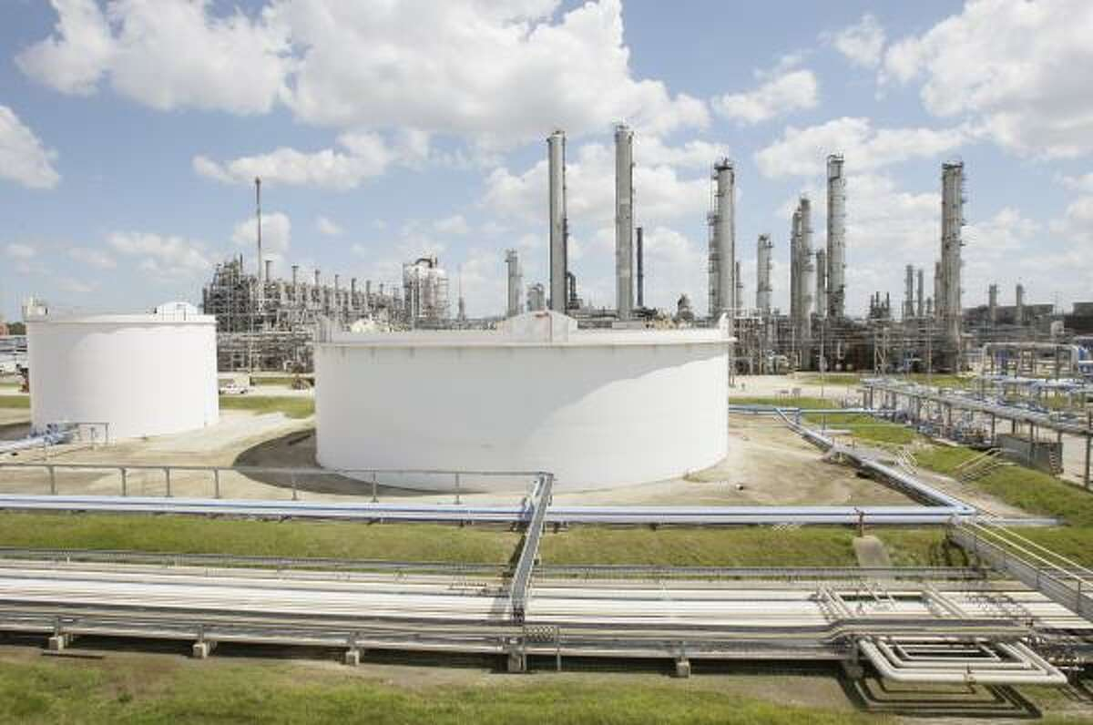 This refinery on the Ship Channel is on the front line in a battle between Mayor Bill White and Lyondell Chemical.