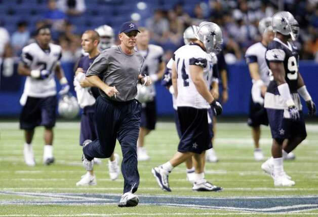 Dallas Cowboys coach Jason Garrett during a practice, Thursday, July 28, 2011, in San Antonio. Photo: AP