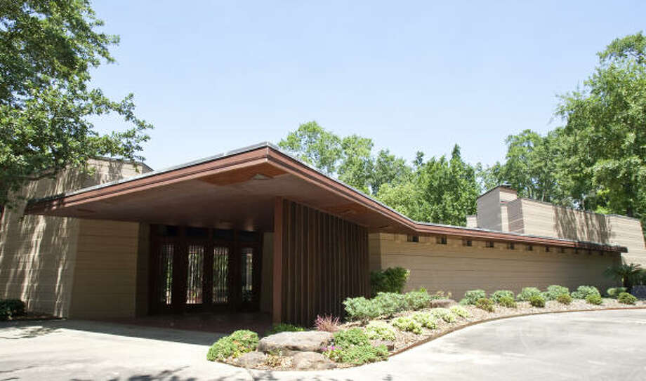 The Thaxton House, another strange home not on the AIA tour, is the only house in Houston designed by Frank Lloyd Wright. The following photos are from 2011, when the home was up for sale. It went on the market in November 2010. Photo: Nick De La Torre, Houston Chronicle