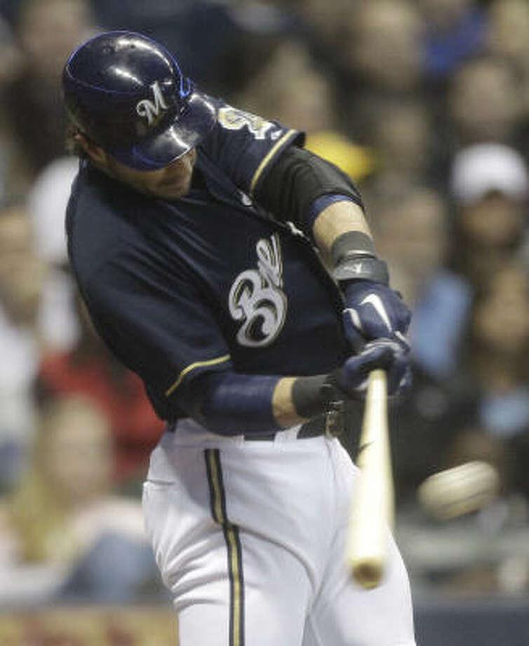 Milwaukee Brewers' Ryan Braun hits a three-run home run during the third inning. Photo: Morry Gash, AP