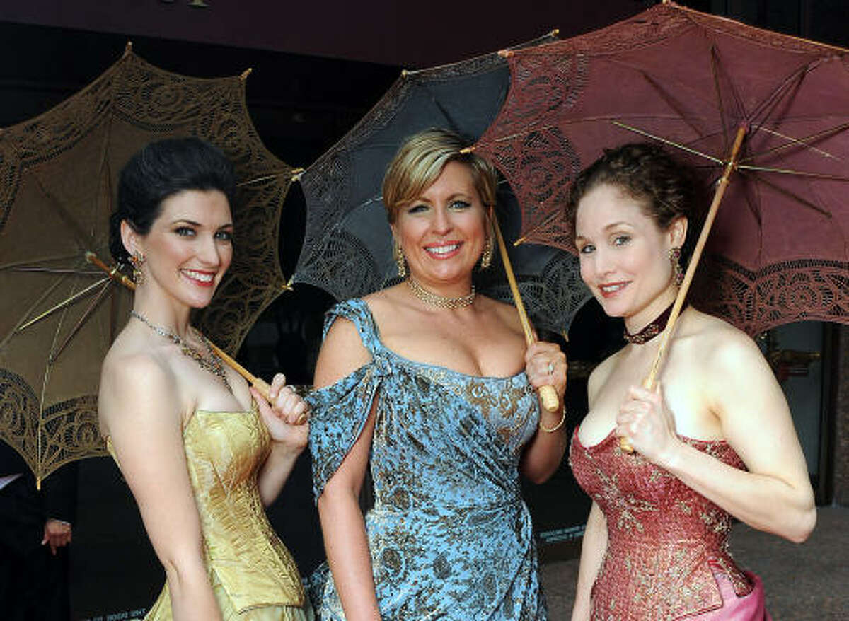 Alisa White, Amy Figg and Carrie Deorsam