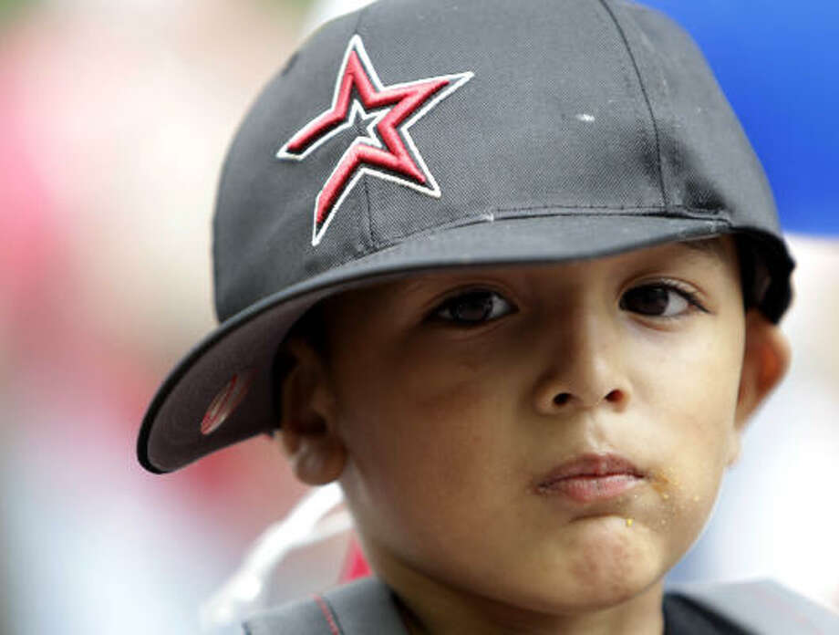 Seth Zepeda, 3, gets ready for his first Astros game. Photo: Karen Warren, Chronicle