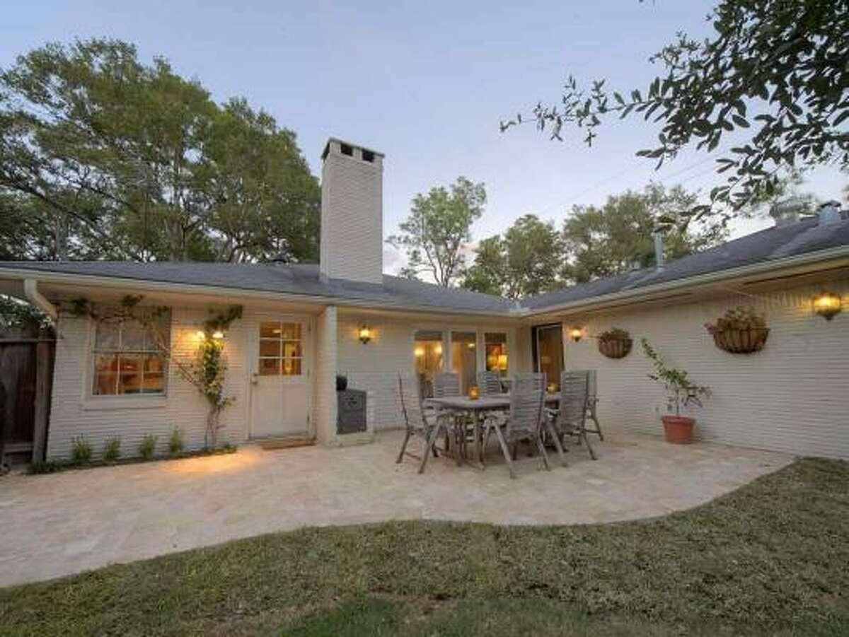 6201 Terwilliger, $612,000 Heritage Texas Properties Agent: Lynn Zarr, Jr 713-965-0812 Main 713-341-1667