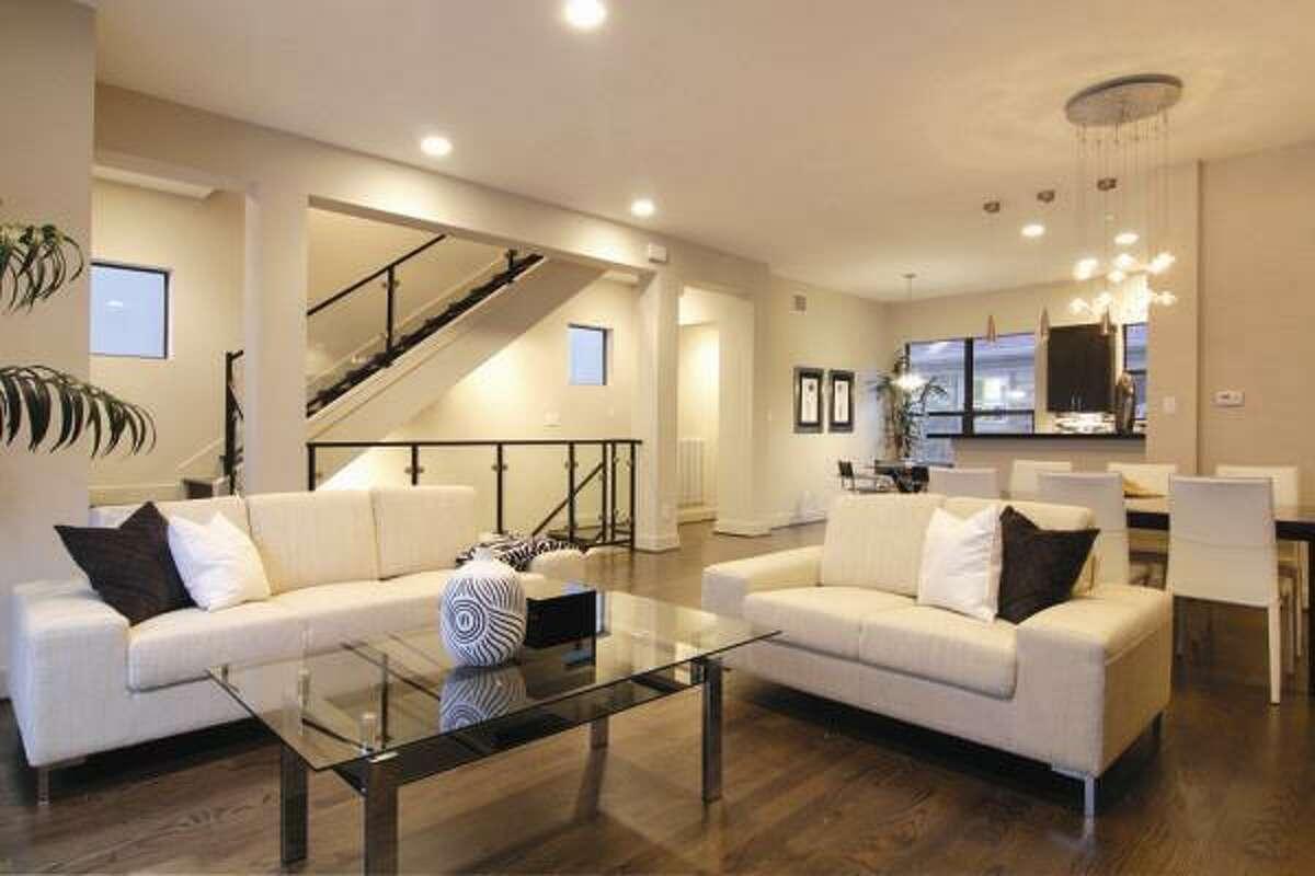 1722 Woodhead, $499,900 Heritage Texas Properties Agent: Vicki Barazandeh 713-965-0812 Main