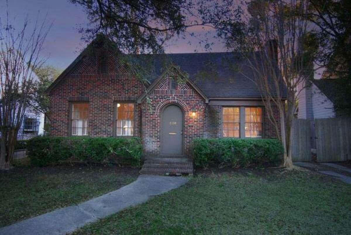 2139 Dryden, $465,000 Heritage Texas Properties Agent: Sally Luna 713-965-0812 Main 713-416-4734 ext:0 Direct