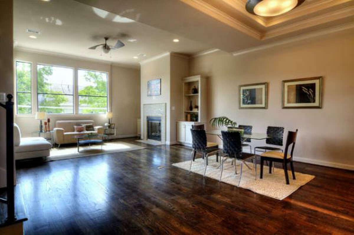 3912 Woodhead, $539,900 Heritage Texas Properties Agent: Vicki Barazandeh 713-965-0812 Main
