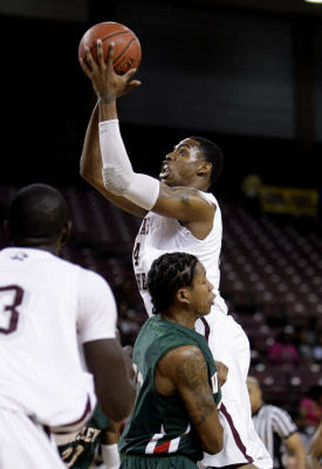 Texas Southern forward Travele Jones (4) drives to the basket. Photo: Bob Levey, For The Chronicle