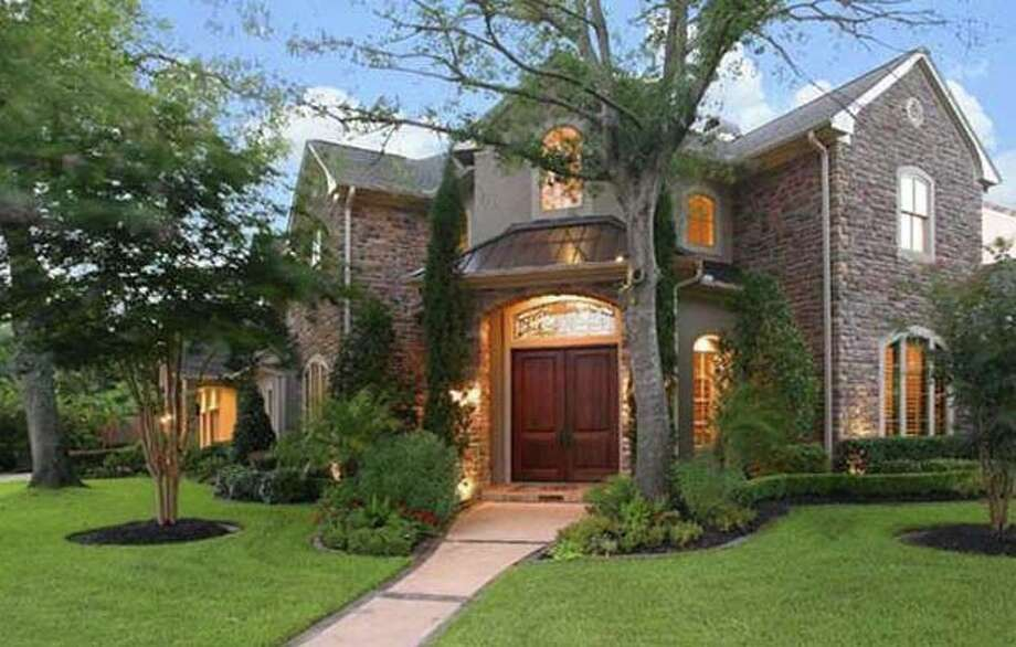 201 E Cowan Dr, $1,999,999 Agent: Cindy Burns  Martha Turner Properties  (713) 520-1981 Main  (281) 630-8865 Direct