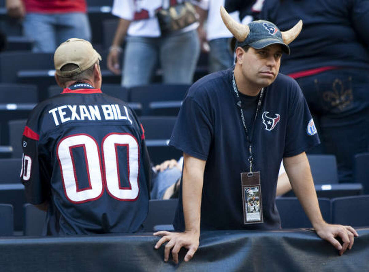 1. Texans travails What started for the Texans in January with a season-ending victory and a missed playoff berth concludes this weekend in disappointment and disarray. A trendy pick to make the playoffs - and even qualify for the Super Bowl - the 2010 Texans collapsed. From the suspensions of Brian Cushing and Duane Brown, to a season-ending injury to DeMeco Ryans, to cruel and unusual defeats against Jacksonville, the New York Jets and Baltimore, a season of promise disintegrated.