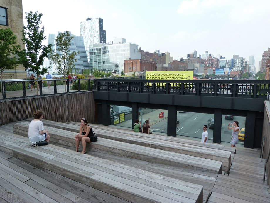 The High Line is a one-mile park built atop an elevated rail line on the West Side of Manhattan. JENNIFER HILLER / EXPRESS-NEWS Photo: JENNIFER HILLER