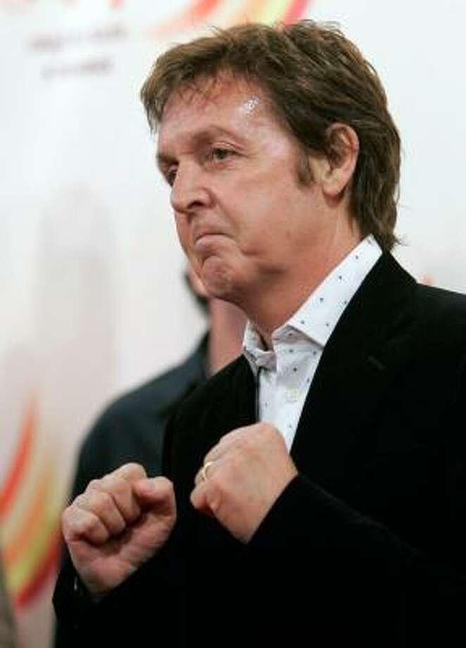 Paul McCartney arrives for the June 30 premiere of The Beatles LOVE by Cirque du Soleil, in Las Vegas. Photo: STEVE MARCUS, REUTERS
