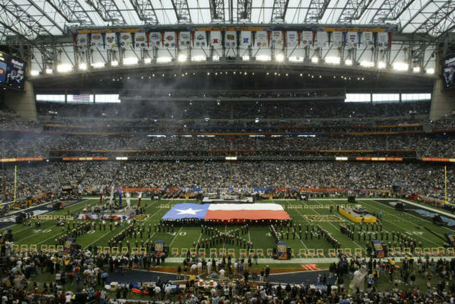 Houston has hosted two other Super Bowls, most recently, Super Bowl XXXVIII at Reliant Stadium. Photo: Buster Dean, HOUSTON CHRONICLE