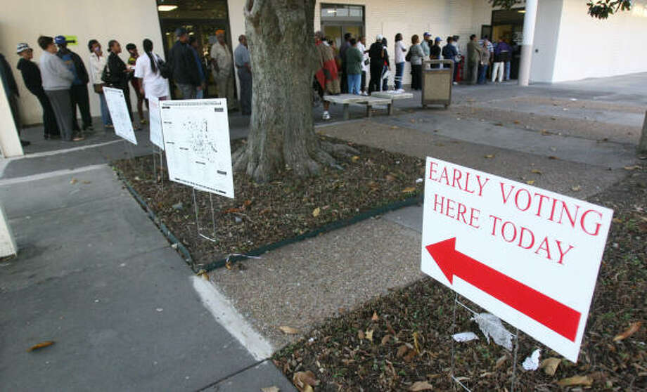 Voters lined up early today to cast their ballots at Palm Center on Houston's south side. Photo: Mayra Beltran, Chronicle
