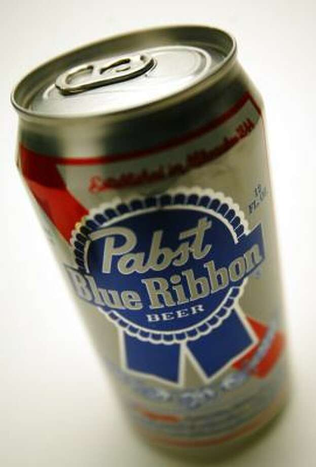 Pabst Brewing Co. could claim it's the largest American-owned beer company to U.S. drinkers unsettled by the pending sale of Anheuser-Busch to foreign ownership. Photo: RALPH LAUER, FORT WORTH STAR-TELEGRAM