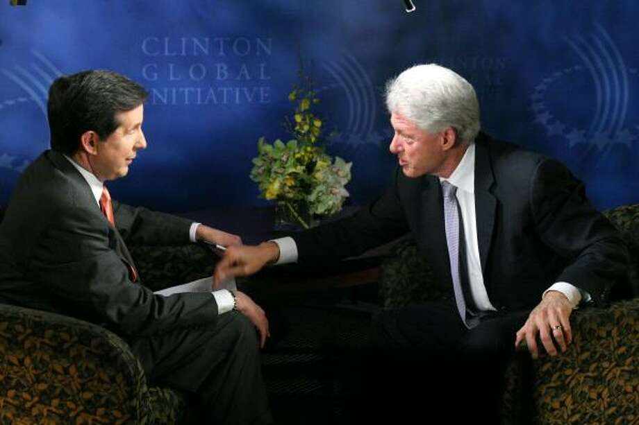 Former President Bill Clinton goes on the offensive against Fox News Sunday host Chris Wallace last weekend. Photo: Fox News