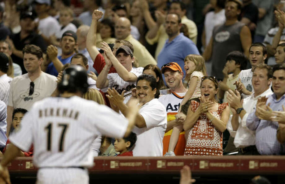 Lance Berkman gave fans their money's worth during last week's series with the Nationals, setting a club record for consecutive hits and going 5-for-5 in one game. Photo: Karen Warren, Chronicle