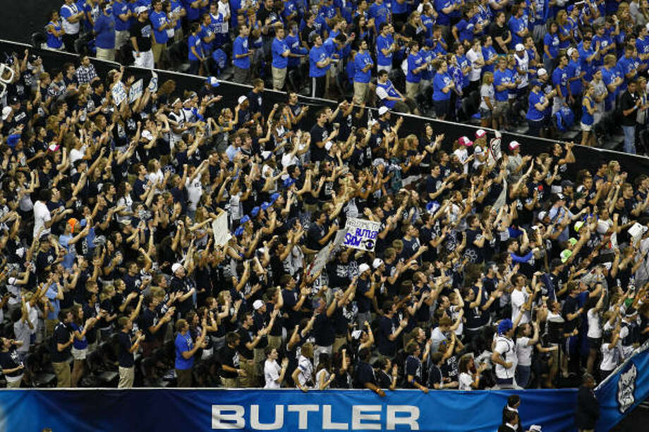 Butler fans react after the opening tip off for the Butler vs VCU game. Photo: Michael Paulsen, Chronicle