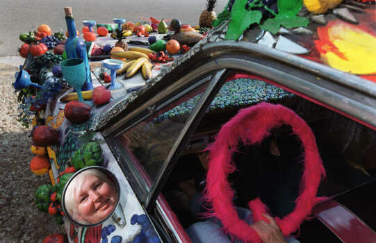 Jackie Harris' Fruitmobile is a produce lover's dream. Photo: Smiley N. Pool, Houston Chronicle