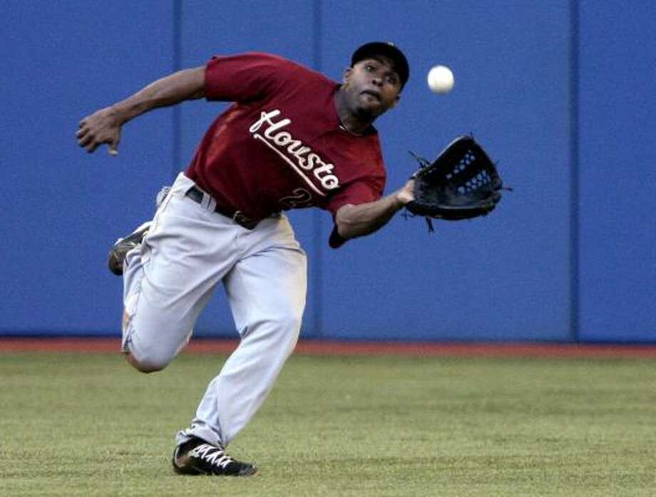 Astros centerfielder Michael Bourn makes a catch. Photo: Abelimages, Getty