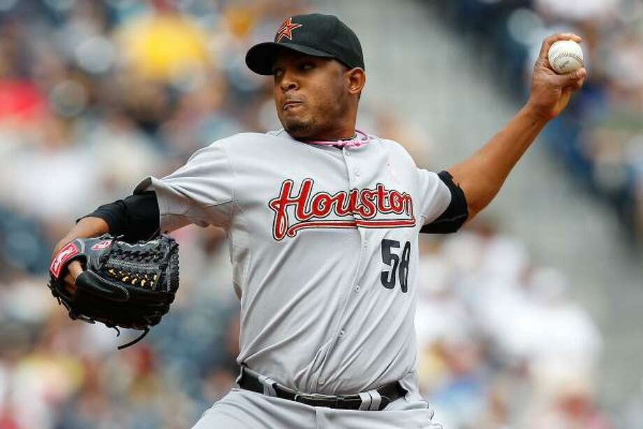 Astros pitcher Fernando Abad surrendered three runs and took the loss. Photo: Jared Wickerham, Getty