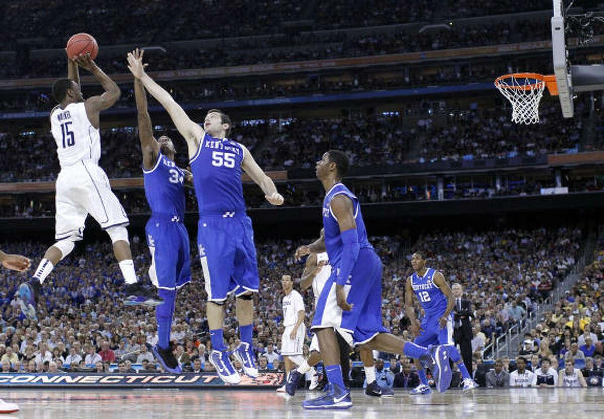 Final Four UConn 56, Kentucky 55