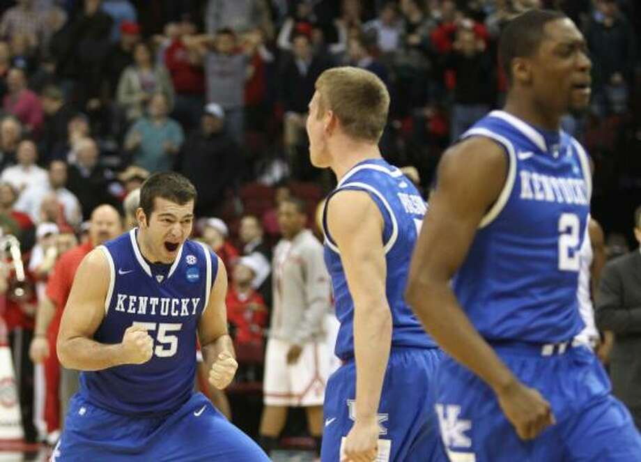 East Regional semifinal: No. 4 Kentucky 62, No. 1 Ohio State 60Kentucky forward Josh Harrellson (55) celebrates after he and his teammates beat top-seeded Ohio State in Friday's Sweet 16 matchup. Photo: Nick De La Torre, Chronicle