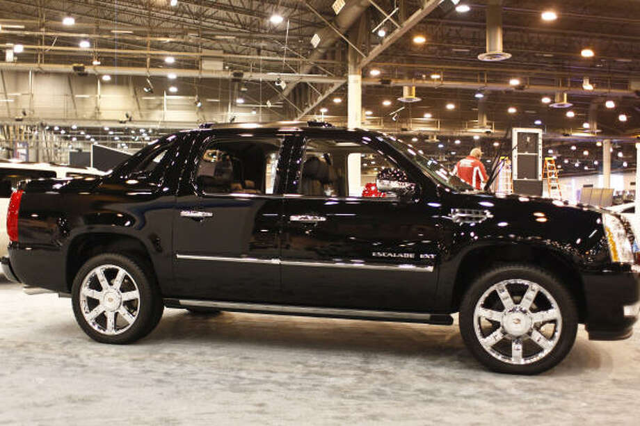 """Cadillac Escalade EXTWhat Edmunds said:""""You can just hear an obnoxious amount of bass emanating from this.""""Source:Edmunds Photo: Michael Paulsen, Houston Chronicle"""