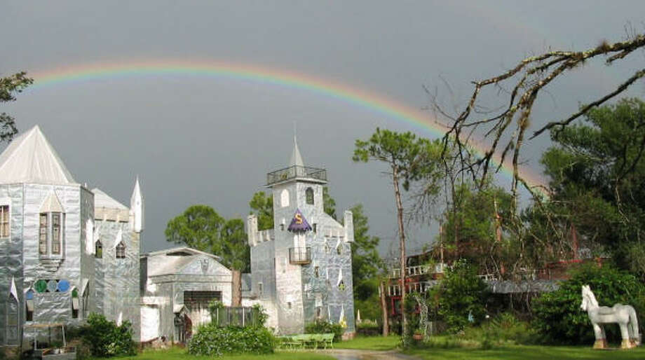 A rainbow graces the sky over Solomon's Castle, a one-room bed-and-breakfast in Florida. Photo: Solomon's Castle