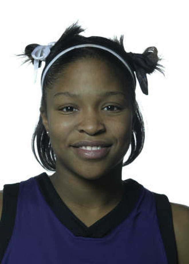 San Jacinto College guard Taujhnae Travis, formelry of Humble High School, has been named to the Junior College/Community College Kodak/WBCA All-America Basketball Team. Photo: KAREN WARREN, HOUSTON CHRONICLE
