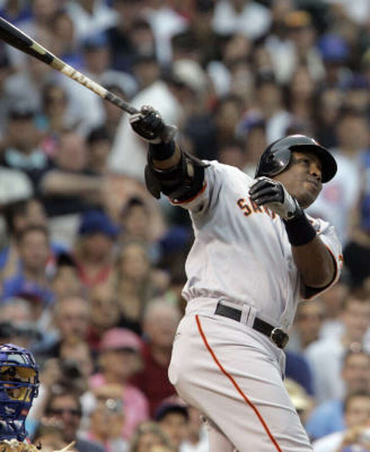 A pair of homers on Thursday leaves Barry Bonds just three away from passing Hank Aaron's career mark of 755. Photo: M. Spencer Green, AP