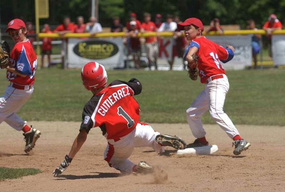 Highlights of Game 1 of state championship little league baseball action between Fairfield American and Glastonbury in Prospect, Conn. on July 30, 2011. Fairfield American was beat 7-4. Photo: Christian Abraham / Connecticut Post