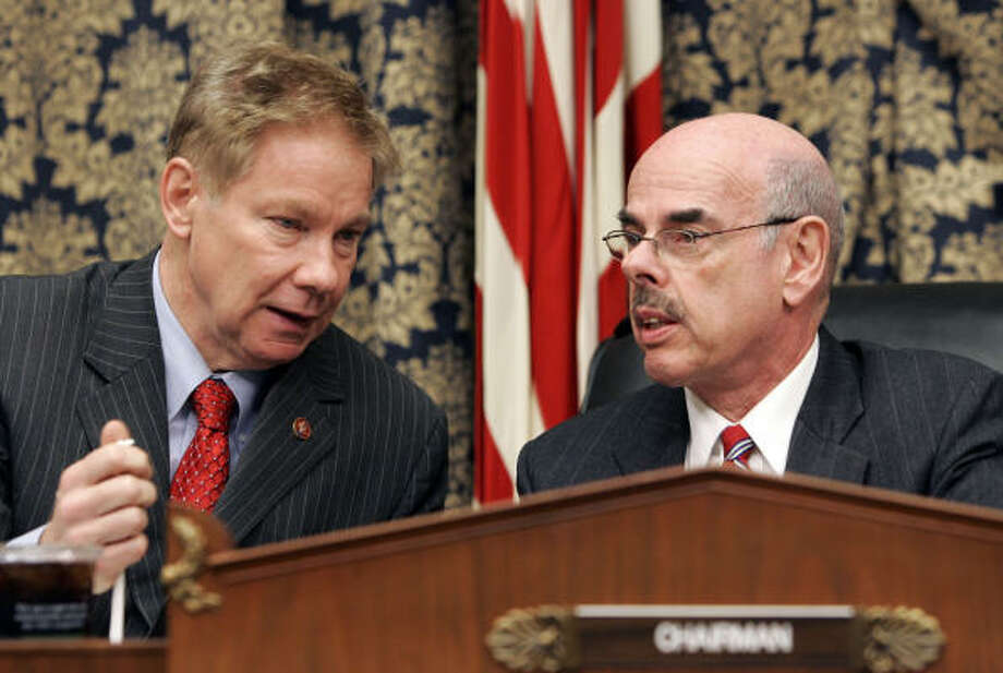 U.S. Rep. Henry Waxman (right, with U.S. Rep. Tom Davis) said he believed that Roger Clemens wanted Wednesday's hearing. Photo: Susan Walsh, AP