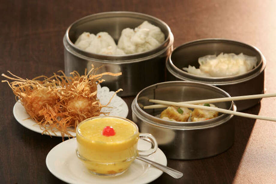 At Yum Yum Cha, the name reflects the dim-sum experience. Photo: Craig H. Hartley, For The Chronicle