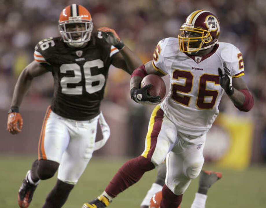 The Redskins' Clinton Portis, right, ran for 175 yards against the Browns, a season-high and part of a five-game stretch of 100-plus games that began with 121 yards against the Cowboys. Photo: Lawrence Jackson, AP