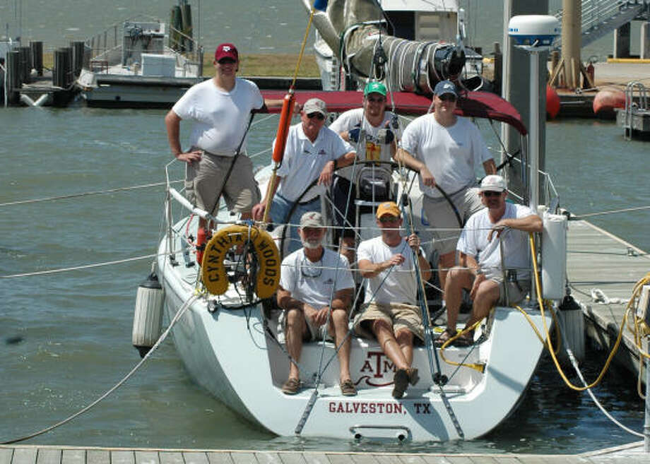 The crew of the Cynthia Woods before departing for the 2008 Regata de Amigos. Photo: Taryn Cornelius, Texas A&M University At Galveston