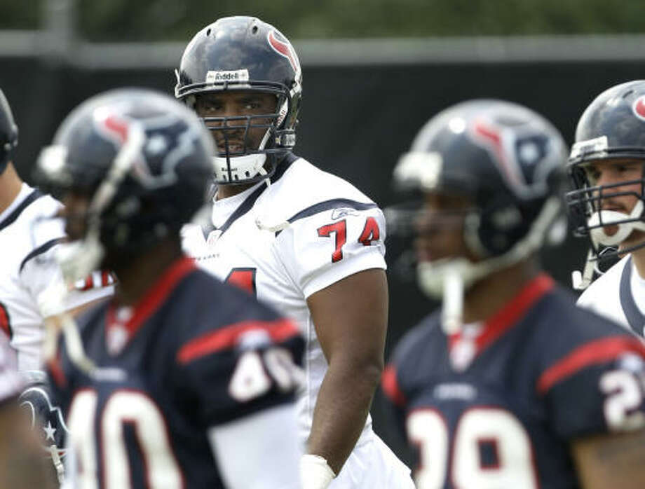 Ephraim Salaam chose not to talk to the media at the Texans' minicamp about his apparent demotion. Photo: Brett Coomer, Chronicle