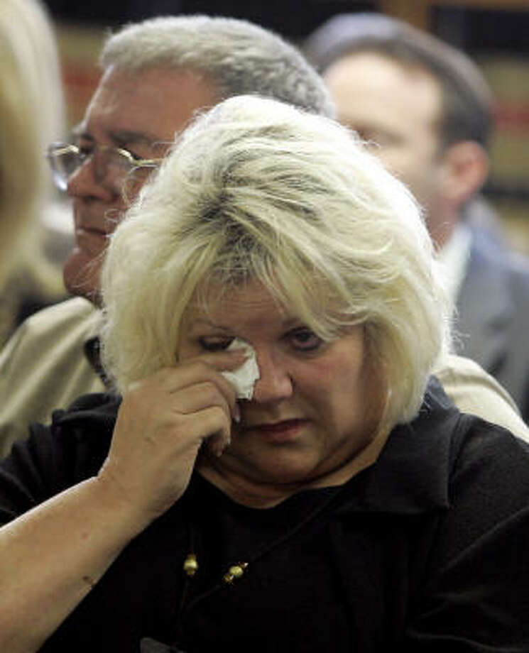 Vergie Arthur, mother of Anna Nicole Smith, wipes a tear Feb. 15 as her husband, James Arthur, looks on at the Broward County Circuit Court, in Fort Lauderdale, Fla. Photo: Alan Diaz, Associated Press