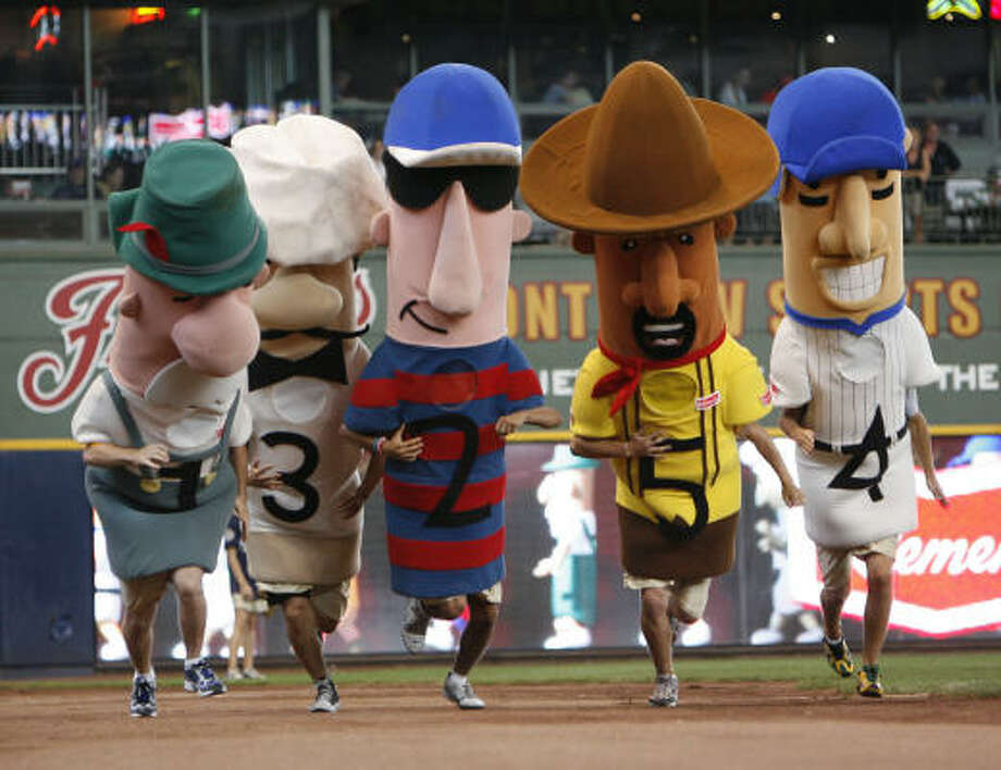 The Astros gave the Brewers, their fans and their sausage racers something to feast on. Photo: Karen Warren, Chronicle