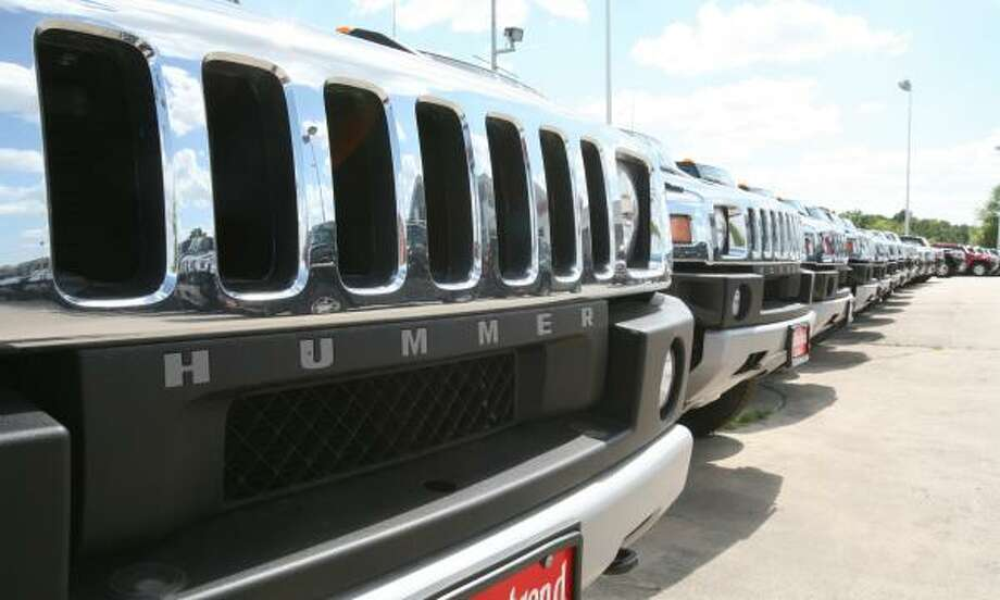 General Motors is considering the future of the Hummer, with many buyers abandoning large trucks and full-size SUVs as fuel prices remain high: PAGE D2. Photo: STEVE CAMPBELL, CHRONICLE