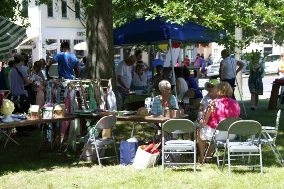 Kent, Connecticut, Sidewalk Sale, July 30th 2011 Photo: Mike Dominguez / Hearst Connecticut Media Group